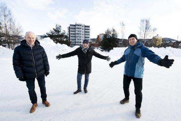 OFFENSIVE: Morten B. Aune, Oddvar Møllerløkken og Per Arne Slapø i Lillehammer Høyre har sendt innspill til NRK om å vurdere en flytting til Lurhaugen.Foto: Torbjørn Olsen