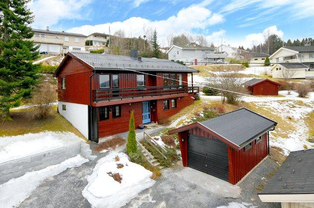 Mellerudgutua 21 på Roa i Lunner kommune.