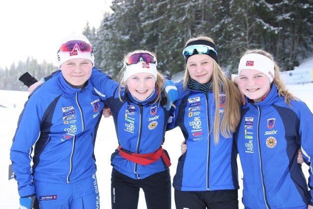 GØY: F.v Emil Roen (13), Karen Vesteng (13), Amalie Skeie Mylsbråten (13) og Frida Velo (13) var storfornøyde etter gjennomført renn.