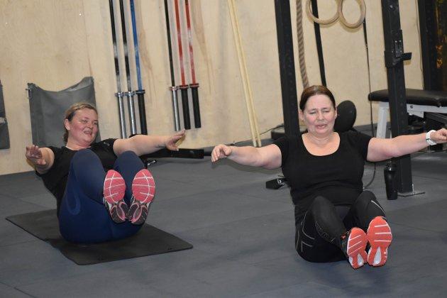 Mage: Musklene får kjørt seg. Anne Britt Aschim og Bente Natvig.