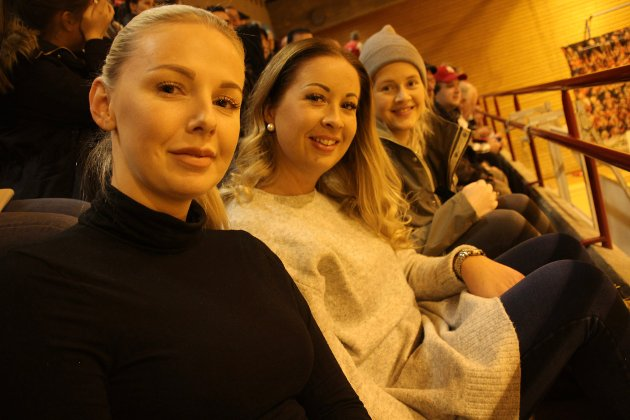Stjerner i øya: Kristine Granholt, Nina Bøklepp, Line Edvardsen gledet seg til å se Larvik-stjernene mot HHK.