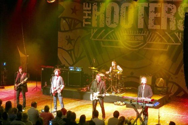 - The Hooters, live for første gang i Halden, leverte så det holdt, skriver HAs anmelder.