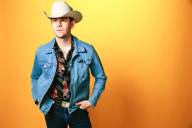Sam Outlaw kommer til Halden med ny california contryrock mandag 6. november. Foto: Privat