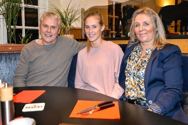 FAMILIE: Malene hadde besøk av pappa Vidar og mamma Elisabeth i Oldenburg i helga.
