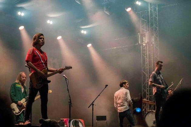 HONNINGBARNA: Live på Tons of Rock.