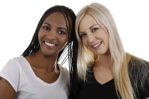 ULIK BAKGRUNN: – Mennesker med ulik etnisk, kulturell og religiøs bakgrunn møtes. Illustrasjonsfoto: Colourbox