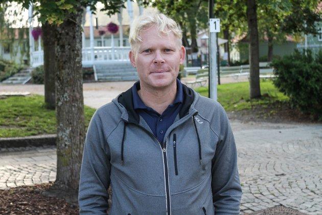KRITISK: Eivind Helkås Kolstad er svært interessert i byutvikling og skuffet over debatten om arealplanen i Halden.