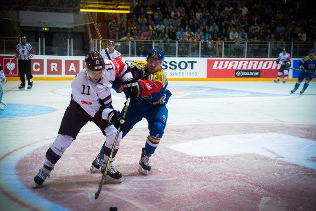 Historiens første Champions Hockey League-kamp i Hamar OL-Amfi.