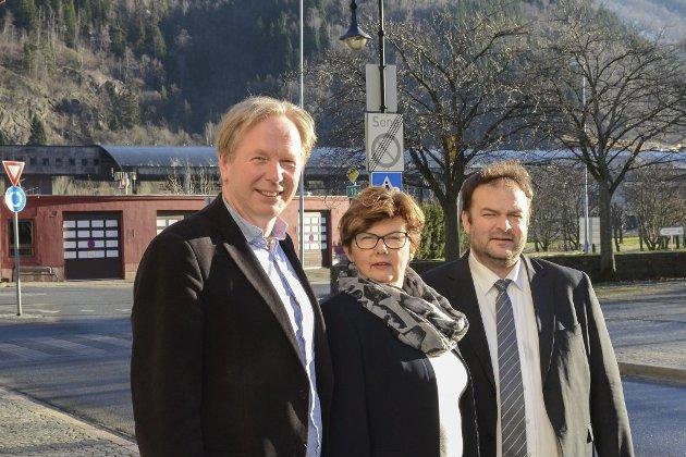 ordførarløna i Ullensvang kommune frå 1.1. 2020 vil stige til over ein million, påpeikar Terje Kollbotn. Her ser vi dagens tre ordførarar i Jondal, Ullensvang og Odda.