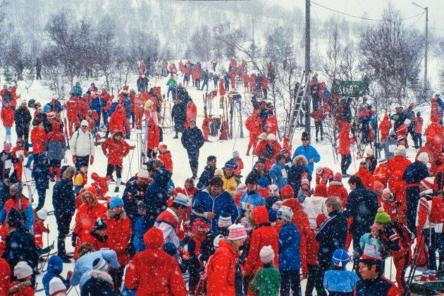 Folk i skiløypene på Seljestad.