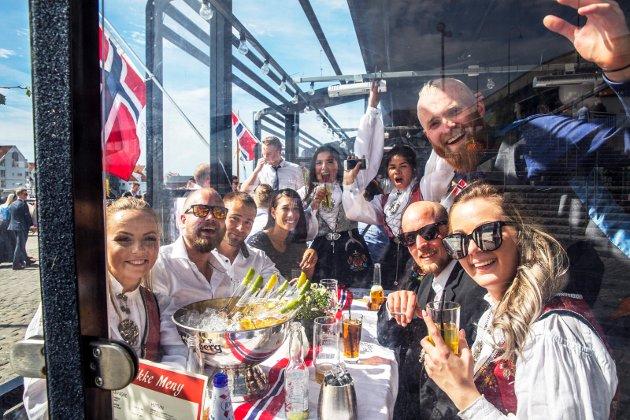 Anna Nordgård, Iwar K. Hjellset, Jørgen Perez, Mimmi Mikaela Nathalie Gurli Klingborg, Per Kristian Johnsen, Morten Saltvedt, Kristian Berntsen og Karina Ohlsson.