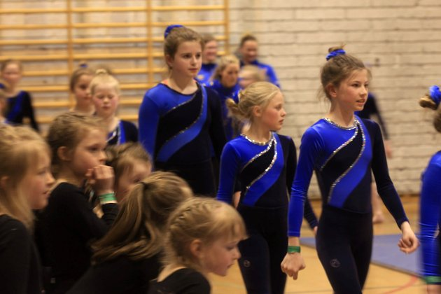 Turnoppvisning i Kippermohallen under Barnekretsturnstevne i regi av Mosjøen IL Turn