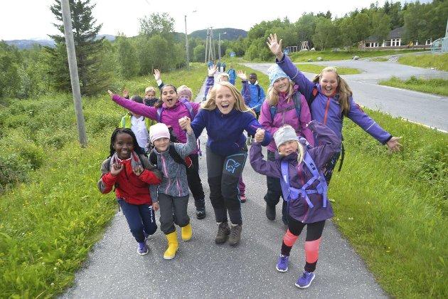 Friluftsskoler på Helgeland i regi av Helgeland Friluftsråd. Forrige uke startet det i Vefsn og Alstahaug. Denne uka er det friluftsskole i Leirfjord (bildet) og Mosjøen.
