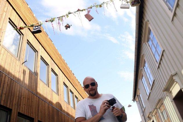 Tore Lundestad fotograferer festivalen