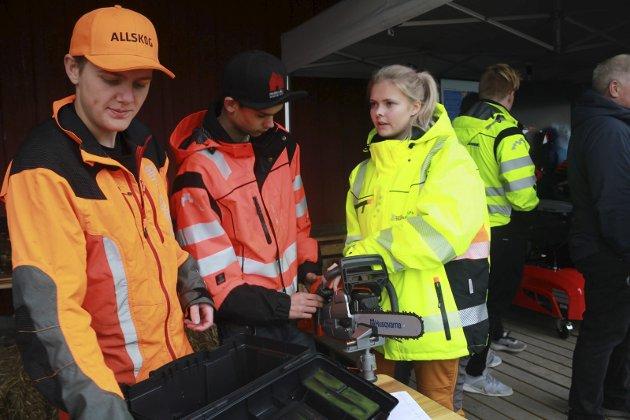 Skogbruksaktiviteter ved Mjåvatnbrygga under Tiendebytte, Emil Nepås, Mikael Steinrud og Lindis Åkvik