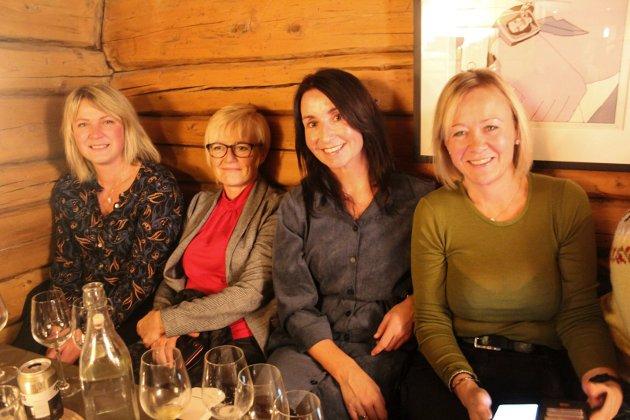 Ann Helen Almås, Sissel Øyen, Rachel Berg og Tanja Pedersen satt sammen hos Nano.