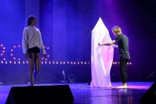 Balance danseforening øver til forestillingen Circus.