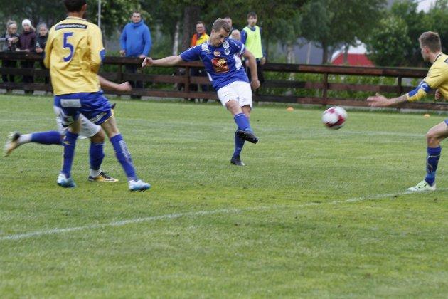 Mosjøen - Sandnessjøen 1-1 (0-0) på Kippermoen. Joakim Haugen Finsås scorer og gir MIL ledelsen 1-0