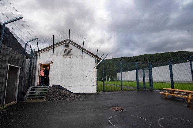 «Trusler og voldsbruk i norske fengsler er urovekkende mange. Vi i Mosjøen fengsel kan heller ikke føle oss trygge på jobb.» skriver Eskil Larsen i dette leserbrevet om kriminalomsorg og yrkesskade.