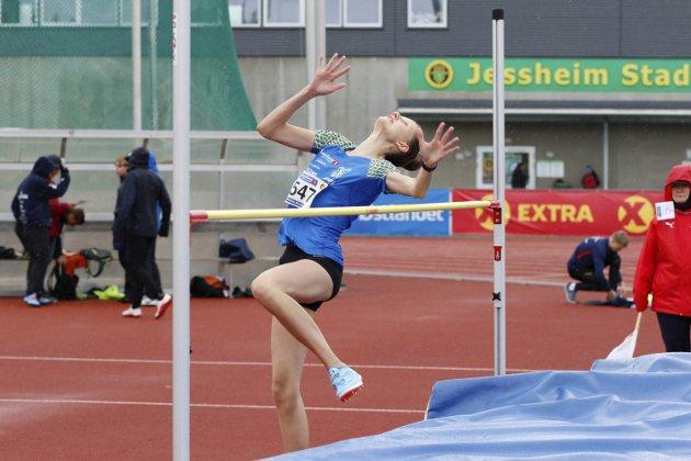 UM i friidrett på Jessheim. Emilija Lorina Kibalcica, Sandnessjøen fikk en 6. plass i høyde i J15