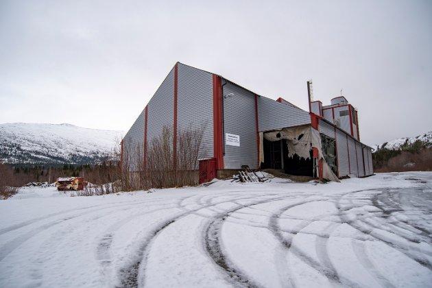 K2 Nord AS har ingen konkrete planer om å starte opp igjen produksjon av kompost ved fabrikkanlegget i Holandsvika. I stedet vil selskapet bidra til annen type næringsaktiviteter i bygget.