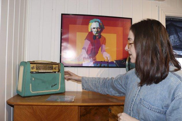 Lovise Aufles Valberg mikser gammelt og nytt, og er opptatt av å ha noe hun liker. Retro-radio og Mozart som DJ funker godt sammen på Aufles i Vefsn.