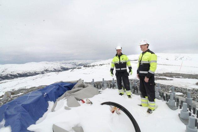 Øyfjellet Wind. Eolus. De første turbinene skal monteres denne uka på Elvdalsfjellet E19. Lengst mot vest. Erik Mortensen og Kjell Arne Bekkevold