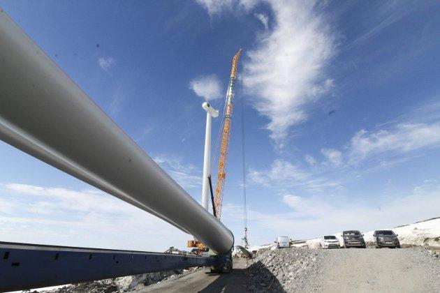 NÆRINGSUTVIKLING: Skribentene påpeker at det er stor aktivitet i Mosjøen, og trekker blant annet fram vindkraftutbyggingen i Vesterfjella.