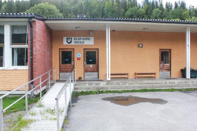 POLITISK PROSESS: Skribenten skriver om prosessen rundt nedleggingen av Elsfjord skole. Arkivfoto: Jon Steinar Linga