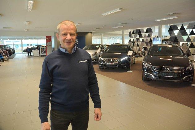 - Det er ikke det at det ikke er viktig at vi når våre klimamål, men det er ikke rett at bilen er det første vi skal «ofre», skriver Ole Steinar Østlyngen.