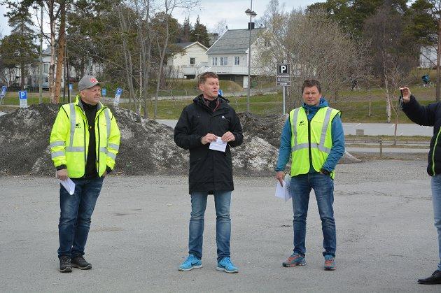 Fagdommer i tømrerfaget Kjell Mortensen, prosjektleder for mesterskapet Remi Hanssen, og fagdommer i betongfaget Bjørn Rasmussen.