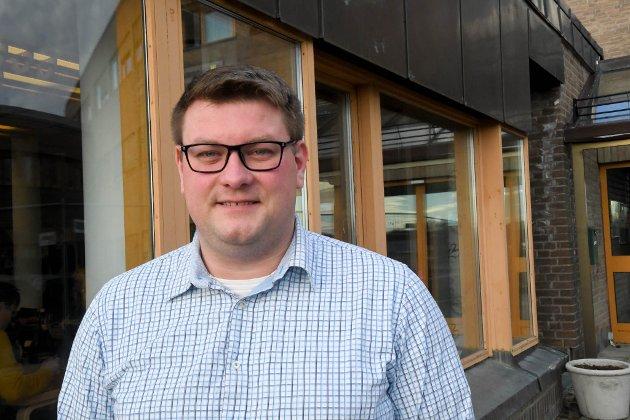 UENIG: Ståle A. Olsen er uenig med May Bente Eriksen i skolesaken i Båtsfjord.