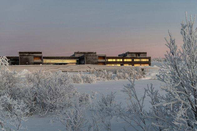 Det har ikke vært en økning i alvorlige hendelser etter innflyttingen i nye Kirkens sykehus, skriver Eirik Palm, kommunikasjonssjef i Finnmarkssykehuset.