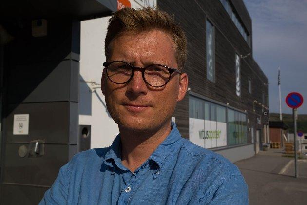 STILLER SPØRSMÅL: Lege og Ap-politiker Espen Kvammen Rafaelsen stiller seg flere spørsmål om hvordan Finnmarkssykehuset skal møte en eventuell spredning av koronaviruset i Finnmark.