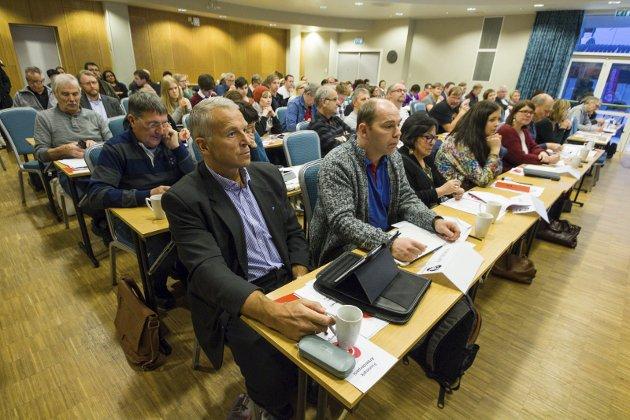 Møtes: Representantskapet i Troms og Finnmark Ap møtes i helga. De bør bruke minst mulig tid på snakk om reversering og heller fokusere på hvilke tjenester de skal tilby innbyggerne. Her fra et tidligere representantskapsmøte i Finnmark Ap.