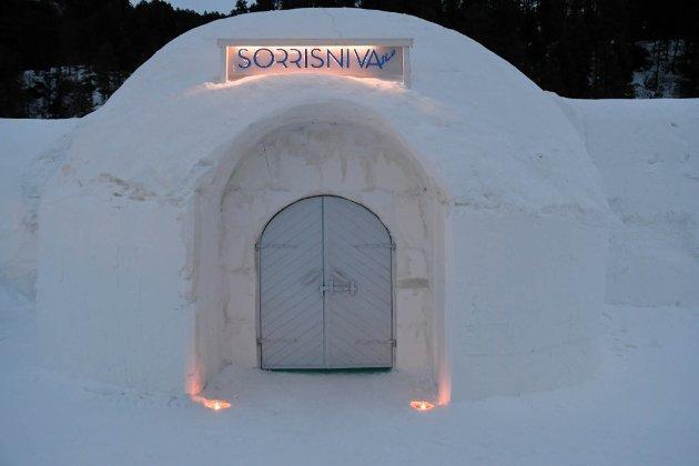 Ishotellet i Sorrisniva i Alta åpnet søndag kveld.