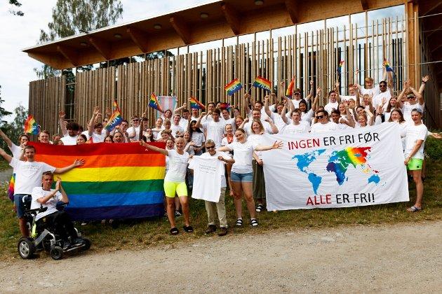 AUFere fra nord markerer Utøya Pride