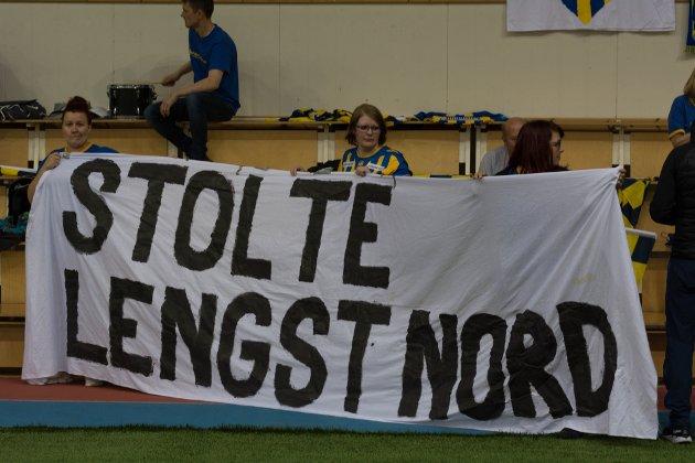 Alta IF-supporterne, Steinberget, støttet vertene gjennom hele kampen.