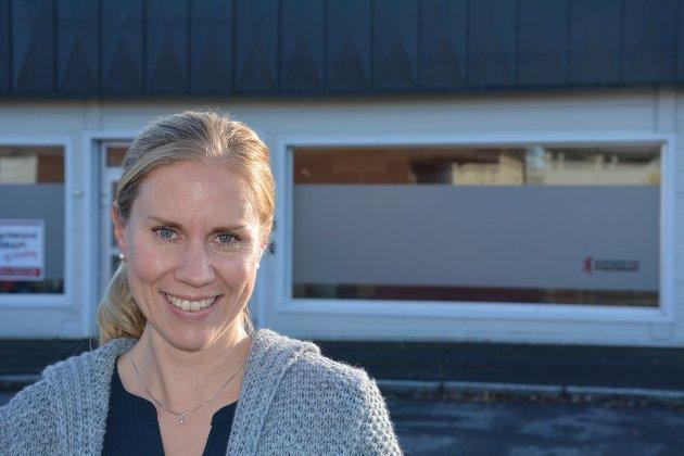 Kristin Kollerud Bjerke påpeker det hun mener er for lite betalt omsorgslønn i Aurskog-Høland kommune.