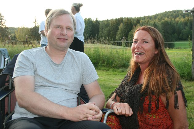 ANBEFALER: Ole Johannes Åleskjær og Randi Streng anbefaler absolutt Tellfortell-festivalen videre!