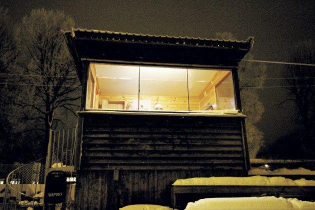 Tiår etter tiår: Speakertjenesten på Hvitstein styres også i år av Per Olav Johannessen. Foto: Pål Nordby