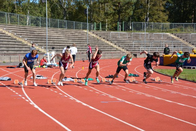 100 meter: Håkon Aasen deltar på 100 meter.