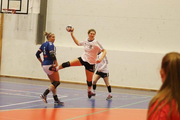 Mari Svele setter tidlig standarden, og det endte med åtte mål og toppscorer.