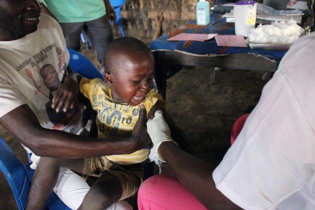 Vaksinering: Barn i Kongo får vaksine etter det dødelige meslingutbruddet i landet. Foto: Privat