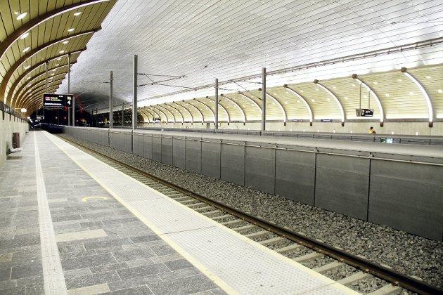 Ferdig i 2016: Holmestrand var heldig som fikk sin stasjon ferdig før pengesekken ble snurpet igjen. Foto: Pål Nordby