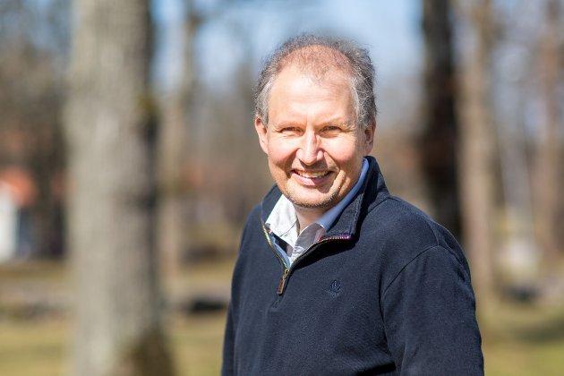 Opplever enighet om samferdsel: Fylkesordfører Terje Riis-Johansen om infrastruktur.
