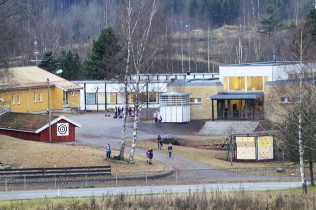 Huff i Hof: Flere av skoletrinnene i Hof i karantene er veldig dårlige nyheter ute på bygda. Arkivfoto