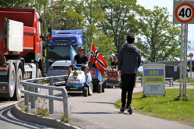 Nesten framme: Gutta fra Tynset ankommer Holmestrand på gressklippere. Foto: Lars Ivar Hordnes