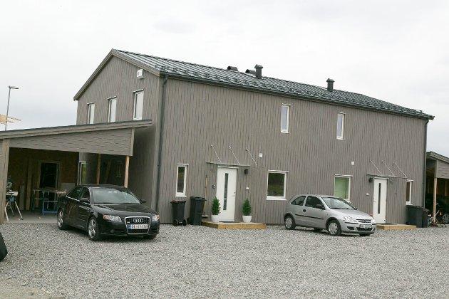 MENNAVEIEN: Huset til Trine Holm og samboeren.