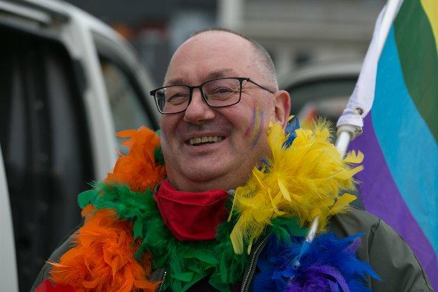 FORNØYD: Knut Harald Eriksen var den eneste homoen i byen i 1999. - Se nå. Det kryr av oss, sa Eriksen.